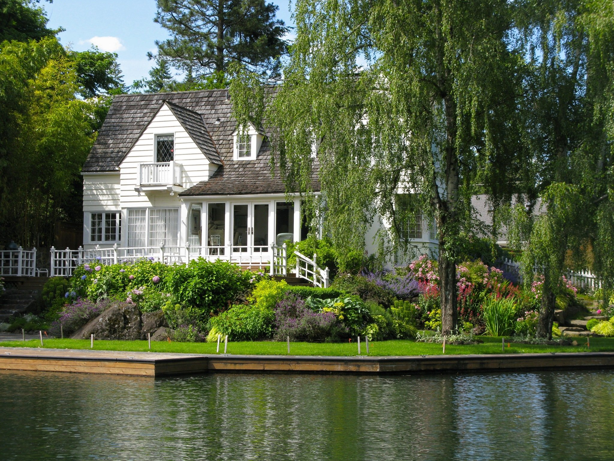 Lake oswego property management portland property for Lake house property